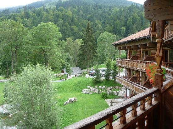 Hotel Feuriger Tatzlwurm: Feuriger Tatzlwurm (Junior Suite): View from the balcony