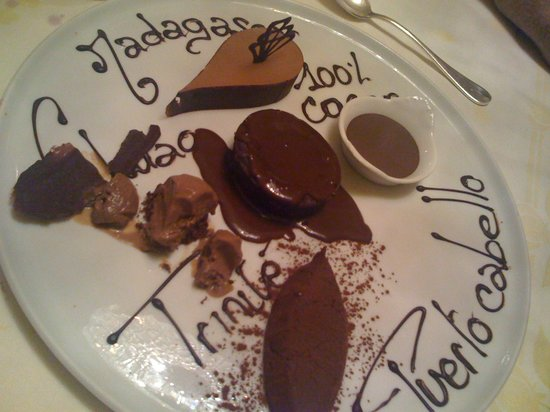 Auberge Napoleon Restaurant: Dessert tout chocolat. Superbe