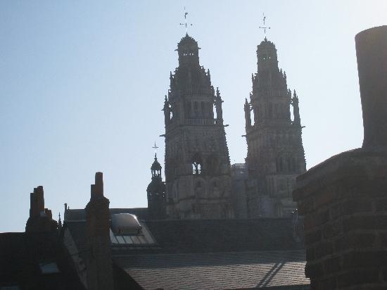 Hotel du Cygne: La vue sur la cathédrale