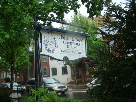 General Sutter Inn sign