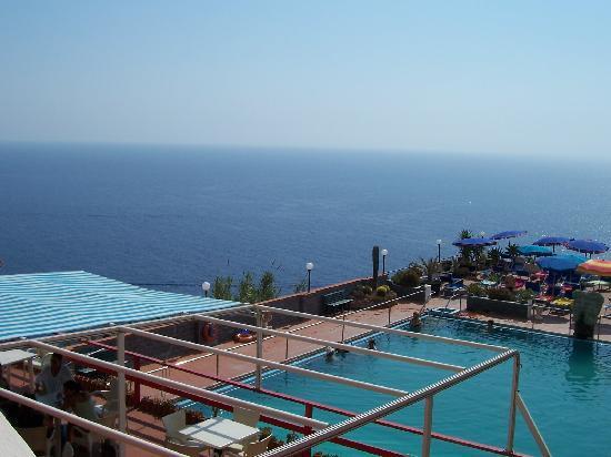 Hotel St Leonard: vista dalla camera, piscina albergo