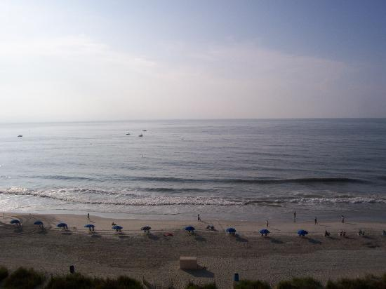 Sea Crest Oceanfront Resort: Morning View of Beach From Room Balcony