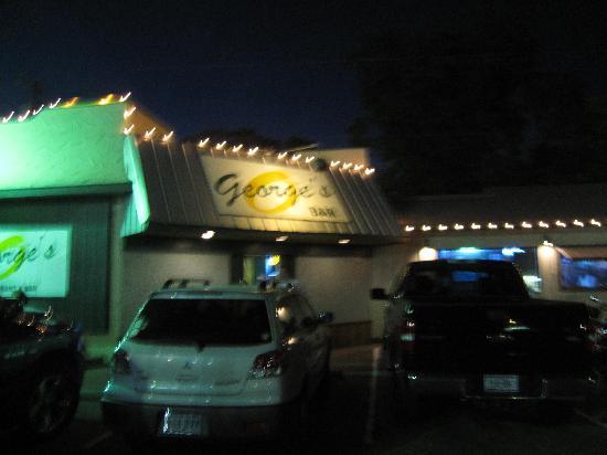 George's Restaurant & Bar: Front