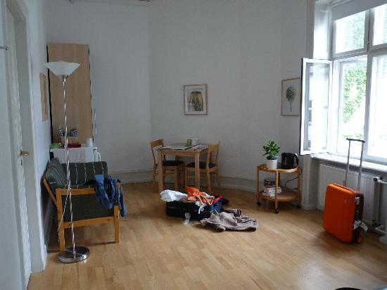 Copenhagen International B&B: one end of our room - sorry about the luggage