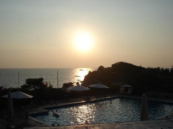 Eden Beach Resort: Vue de la piscine
