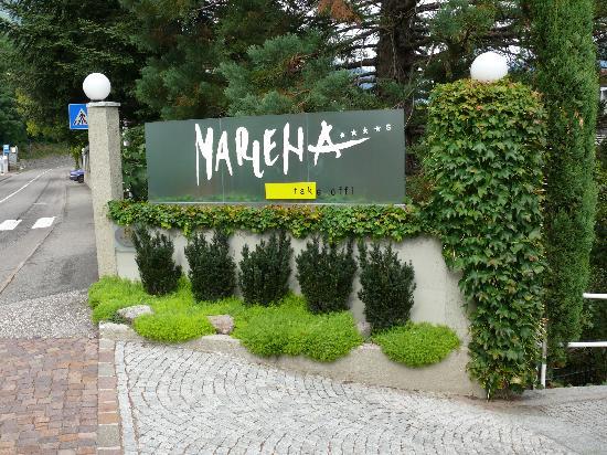 Hotel Marlena: Hoteleingang von der Strasse