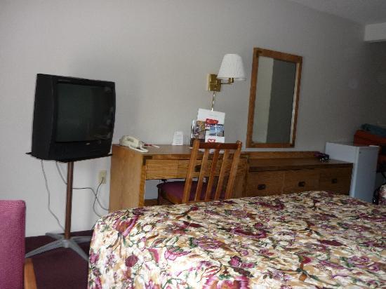 Rodeway Inn : bedroom