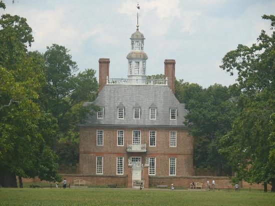 Hampton Inn Hampton-Newport News: Williamsburg,Governor's Palace; incredible