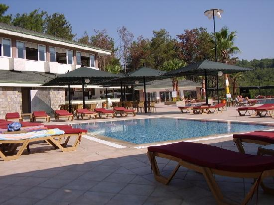 Green Forest Hotel: Another of the pool