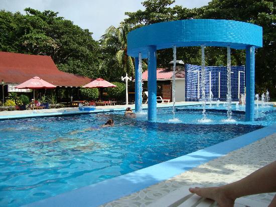 Una de las piscinas picture of sol caribe campo san - Piscinas en el campo ...