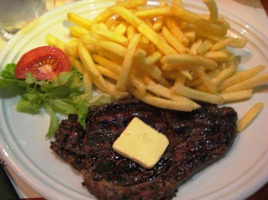 L'Ancien Trocadero: Rib Eye with, well, fries.