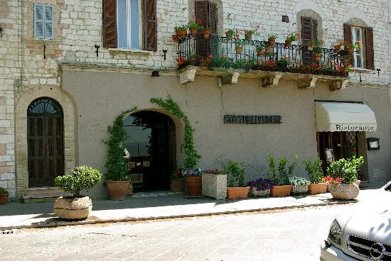 Hotel Belvedere: Street view