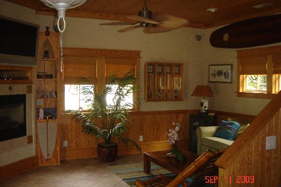 The Island Guesthouse & Cottages: Main living area