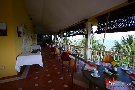 La Veranda Resort Phu Quoc - MGallery Collection: Buffet Breadfast