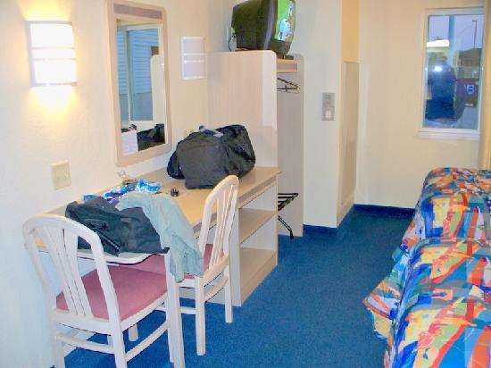 Motel 6 Avoca: My room