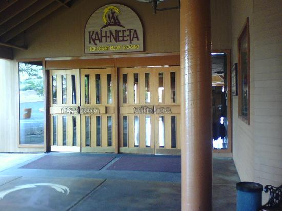 Kah-Nee-Ta Resort & Spa: Entry to Lodge