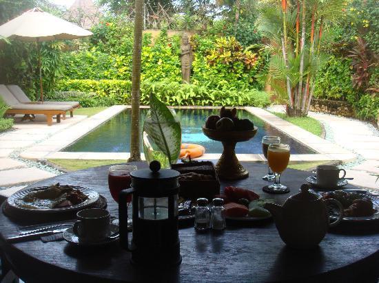 The Villas Bali Hotel & Spa: brunch at the villas