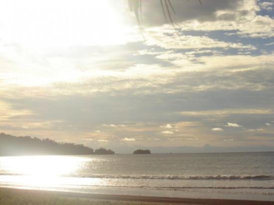 Nuquí, Colombia: Atardecer en el Golfo de Tribuga.