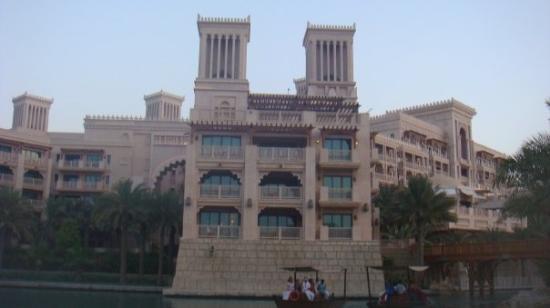 Jumeirah Al Qasr at Madinat Jumeirah: Al Qasr Hotel. closed to and next to Mina A' Salam