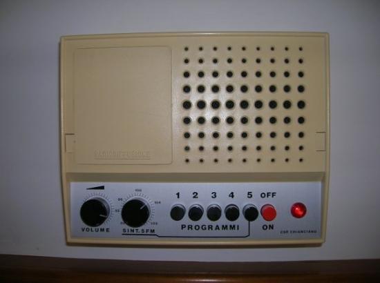 Chianciano Terme, Italy: Ci abbiamo messo 2 giorni per capire cos'era... una radio!!