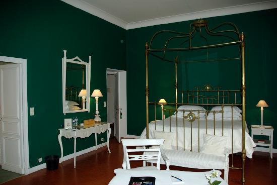 La Villa Mauresque: La suite Baudelaire, vue mer et baldaquin