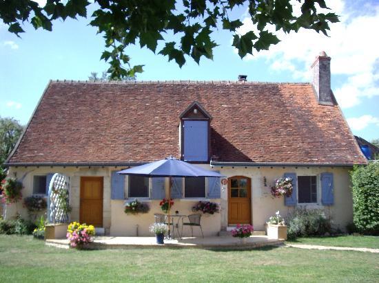 Chatillon-sur-Indre, France: Les Deux Platanes