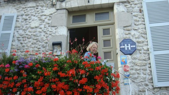 Beaugency, France : A satisfied customer