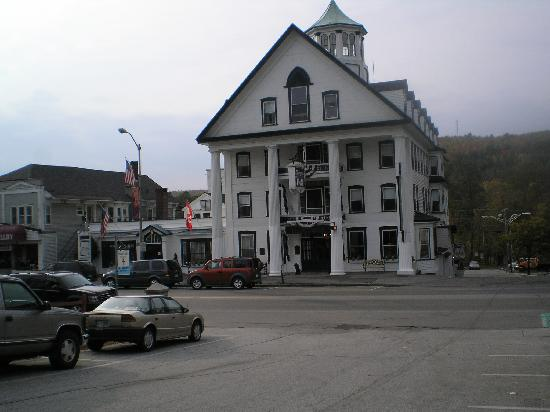 White Mountains, NH: Thayers Hotel Littleton  very quaint