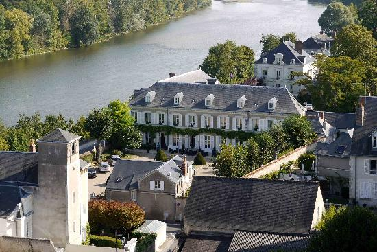 Hotel Le Manoir les Minimes: This view of Le Manoir shows its proximity to the River Loire.