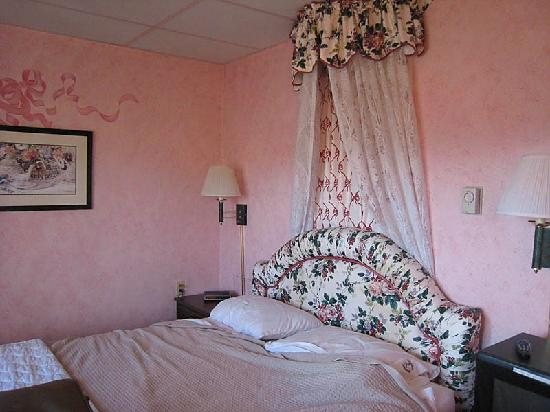 Plaza Motor Motel: Bedroom