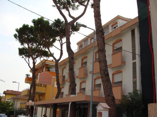 Hotel Aurelia: Facciata dell'hotel