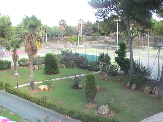 Iberostar Club Cala Barca : View of tennis courts from our room