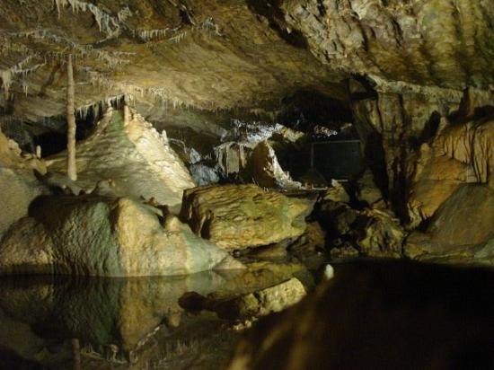 Een bezoekje aan de grotten van Hotton, zeker de moeite waard!! Zeker den nieuwe Barry White gid