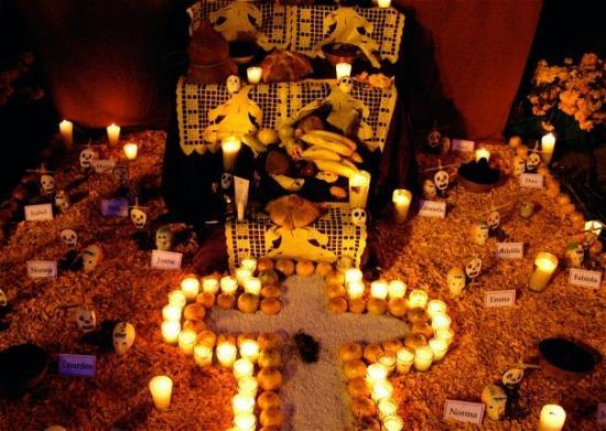 โกลีมา, เม็กซิโก: Altar de muertos
