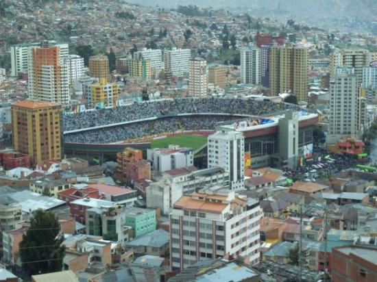 Mirador Laikakota : estadio Sili desde el mirador Kili kili