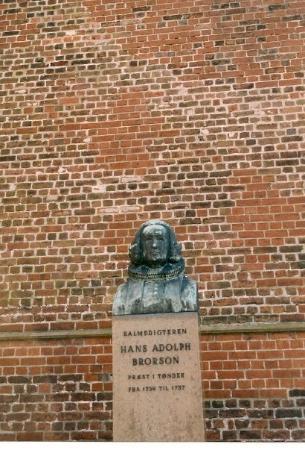 Toender, เดนมาร์ก: Tondern, Daenemark, Maerz 2002 Statue von Hans Adolph Brorson - Bischof und Psalmendichter