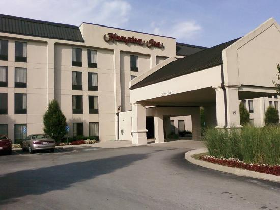 Hampton Inn Cincinnati Eastgate : View of hotel from outside