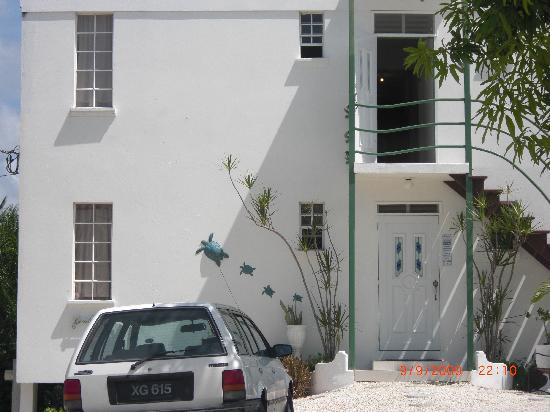 Coral Lane Beach Apartments: Hotel