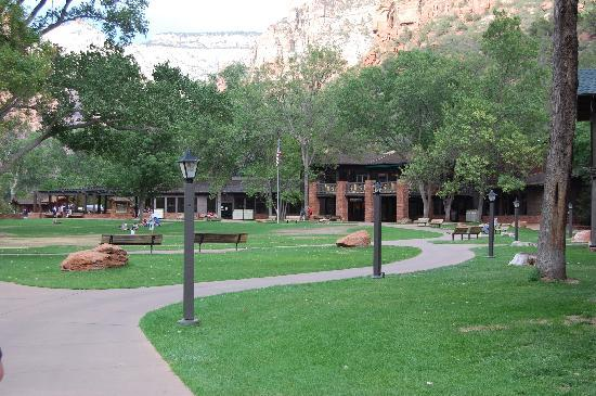Zion Lodge: Lodge/Large gathering yard