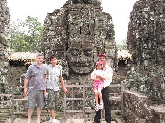 Siem Reap, Kambodja: Sotath with our youngest