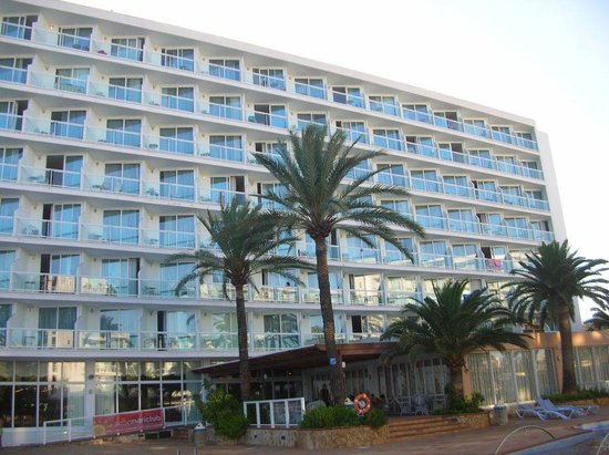 Sirenis Hotel Tres Carabelas & Spa: Vista dalla piscina