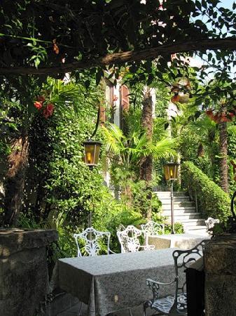 Romantik Hotel Castello Seeschloss : Main entrance