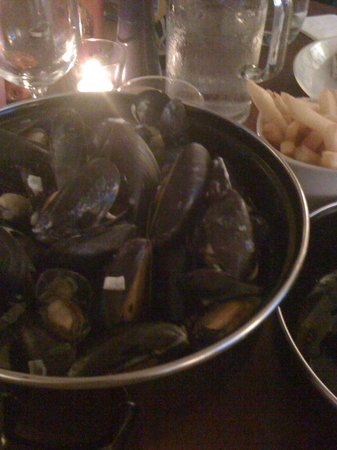 South Cafe: The mussels and chips - outstanding!