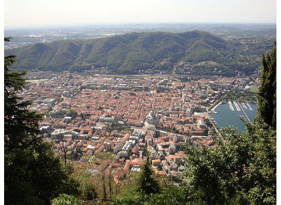 Albergo Del Duca: Como from the Furniculare (a 5 min walk from the hotel).