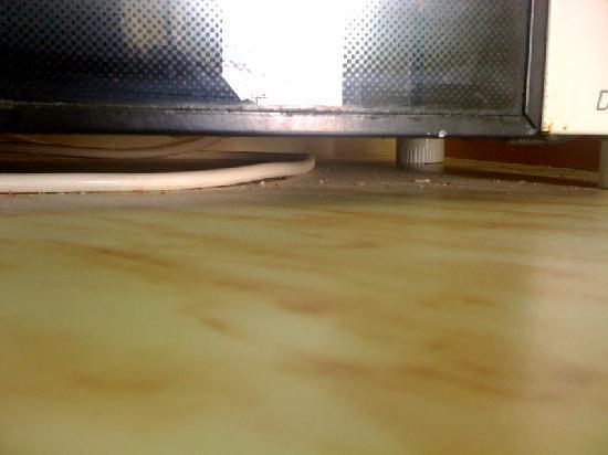 Lovides Village: Under the oven-cooker - yuk!