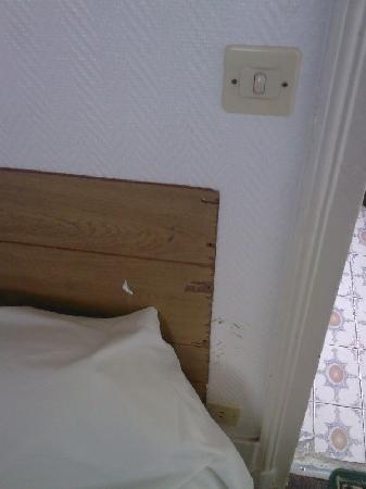 Hotel Wagram: letto