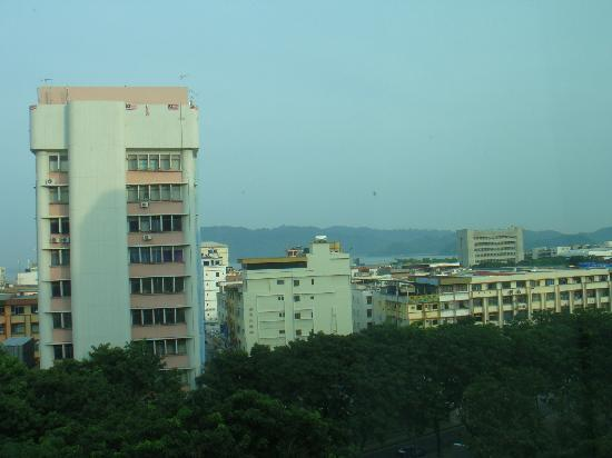 King Park Hotel Kota Kinabalu: view from my 7th floor room