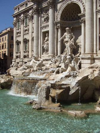 Miles & Miles Tour Company - Tours: trevi fountain