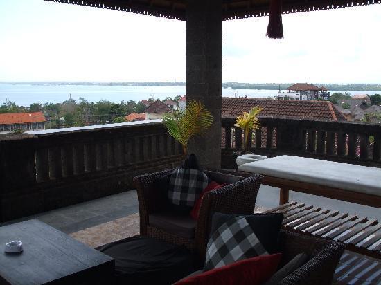 Ellie's: roof terrace