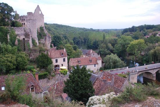 Angles sur l'Anglin, France: Very pretty village